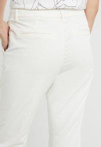 BOSS - SOLGA - Chinot - open white - 3