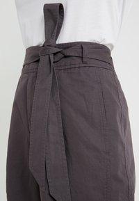 BOSS - SAROSY - Spodnie materiałowe - charcoal - 4