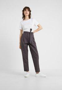 BOSS - SAROSY - Spodnie materiałowe - charcoal - 1