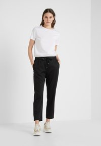 BOSS - SATENCY - Broek - black - 1