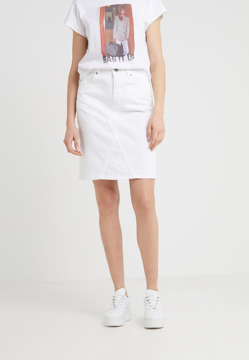 BOSS - LOUISA - Denimová sukně - white