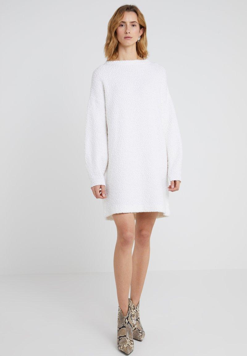 BOSS - IROLEANA - Strickkleid - white