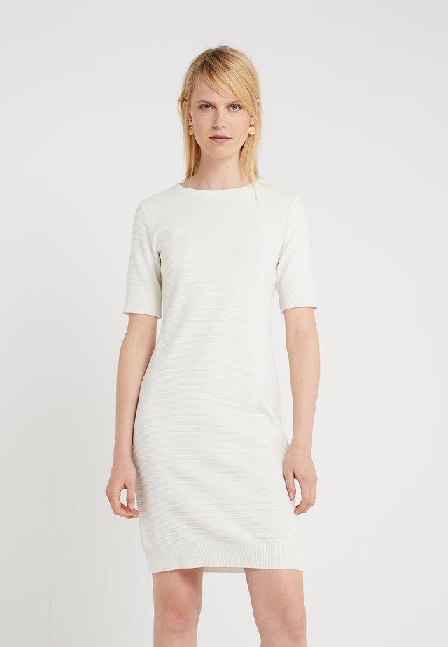 DABUTTON - Fodralklänning - open white