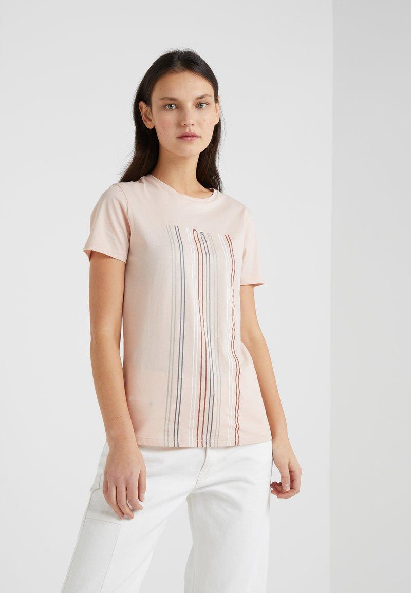 BOSS - TEBLURRED - T-shirt z nadrukiem - light/pastel red
