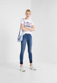 BOSS - TEAROUND - T-shirt con stampa - white - 1