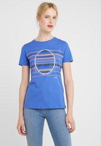 BOSS - TEAROUND - T-shirt con stampa - medium blue - 0