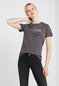 BOSS - TECUT - T-shirt con stampa - charcoal - 0