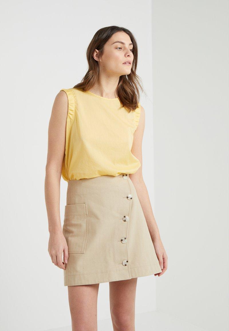 BOSS - CITRAVEL - Bluser - light pastel yellow