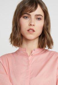 BOSS - EFELIZE - Skjorte - light pastel orange - 5