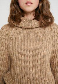 BOSS - WARANTEL - Stickad tröja - camel - 5
