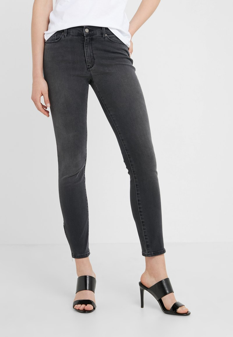 BOSS - Jeans Skinny Fit - grey
