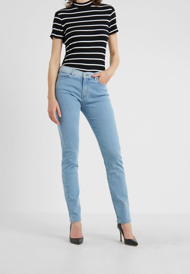 BOSS - Jeans slim fit - bright blue