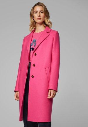 OLUISE - Classic coat - pink