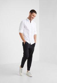 BOSS - MABSOOT 10195830 04 - Overhemd - white - 1