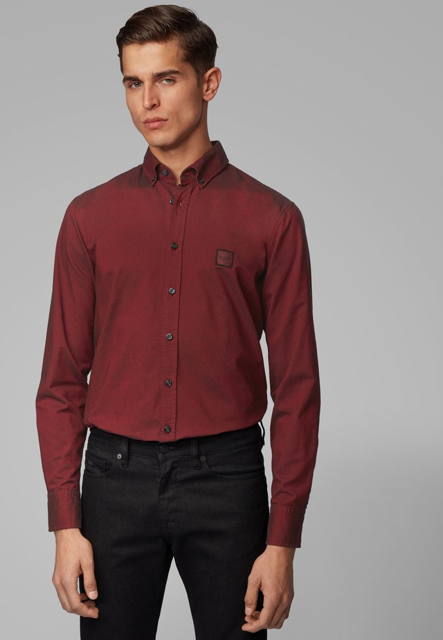 MABSOOT 10195830 04 - Shirt - red
