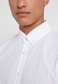 BOSS - MABSOOT SLIM FIT - Overhemd - white - 3