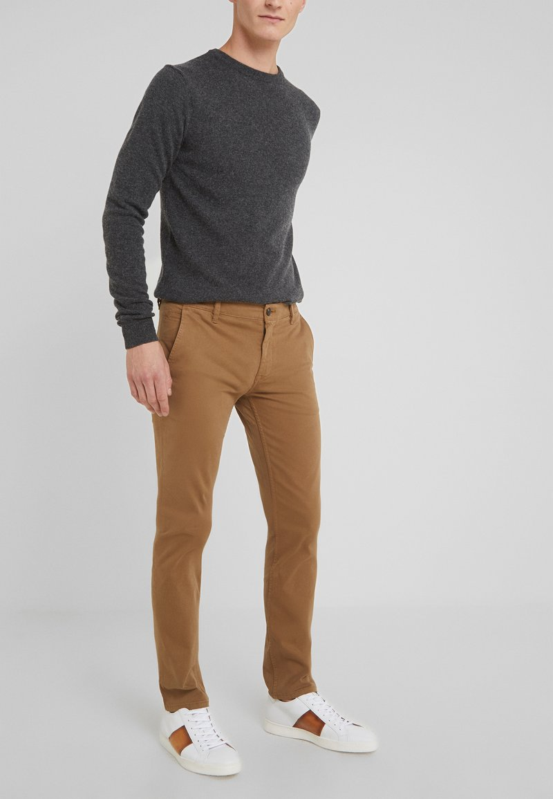 BOSS - SCHINO SLIM - Pantalones chinos - cognac