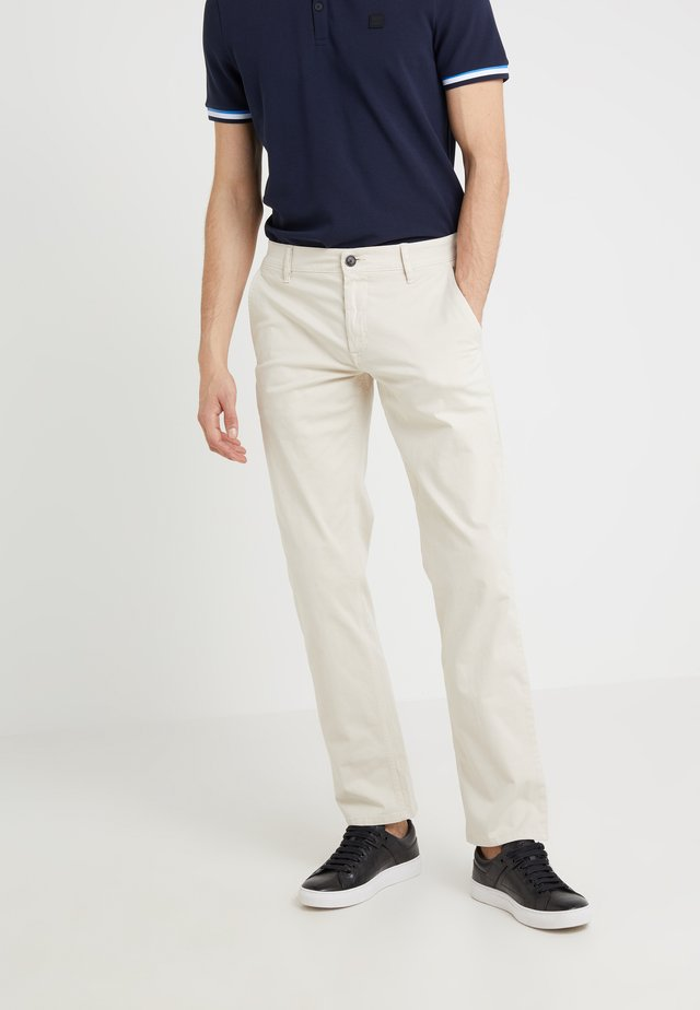 REGULAR FIT - Pantalones - open white