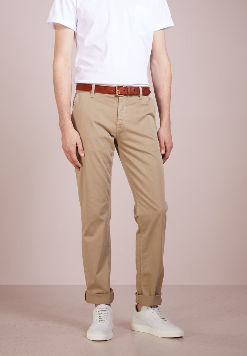 BOSS - REGULAR FIT - Trousers - light pastel / brown