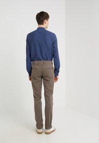 BOSS - REGULAR FIT - Pantalones - brown - 2
