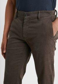 BOSS - REGULAR FIT - Kalhoty - brown - 4
