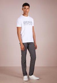BOSS - Chinos - light pastel grey - 1