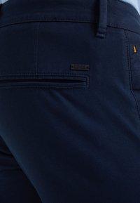 BOSS - Pantaloni - dark blue - 4
