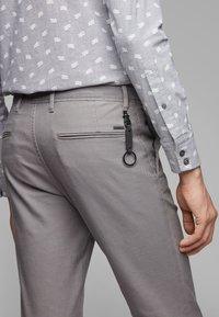 BOSS - Pantaloni - grey - 3