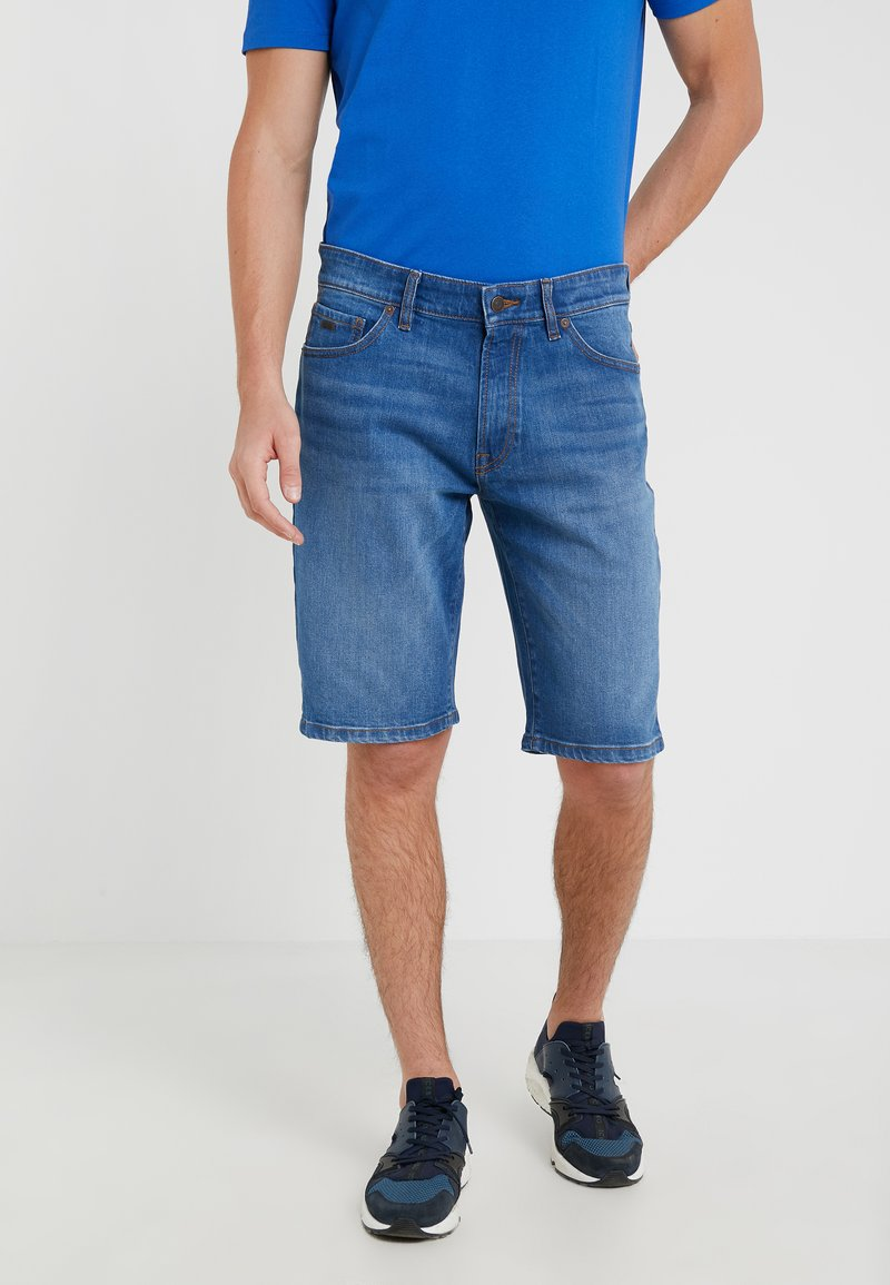 BOSS - MAINE - Jeans Shorts - medium blue