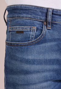 BOSS - DELAWARE  - Jean slim - medium blue - 5