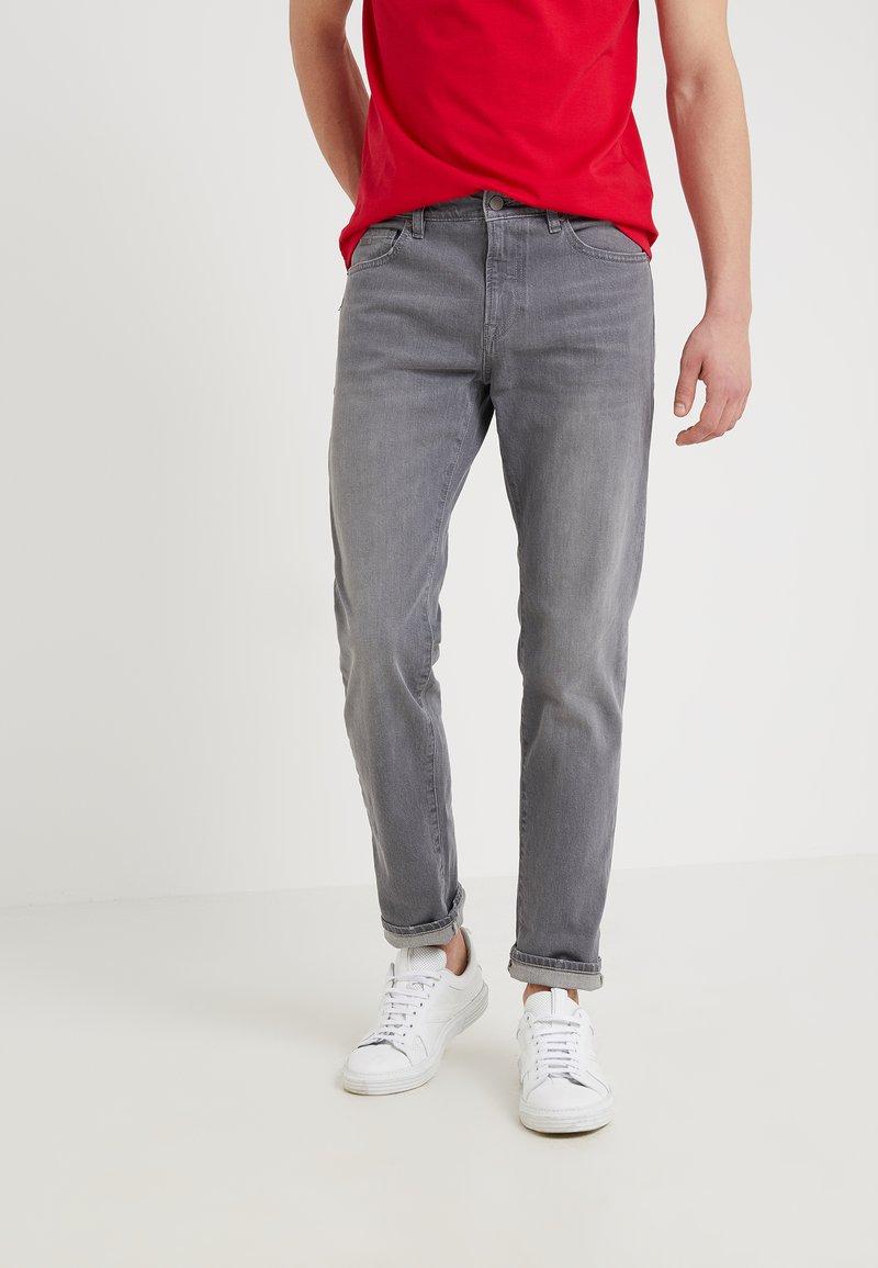 BOSS - MAINE - Jeans Straight Leg - medium grey