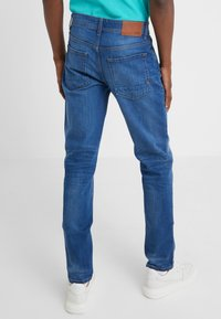 BOSS - TABER - Zúžené džíny - blue denim - 2