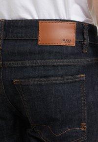 BOSS - DELAWARE - Jeansy Slim Fit - dark blue - 4