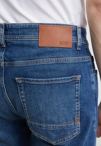 BOSS - TABER - Slim fit jeans - medium blue - 4