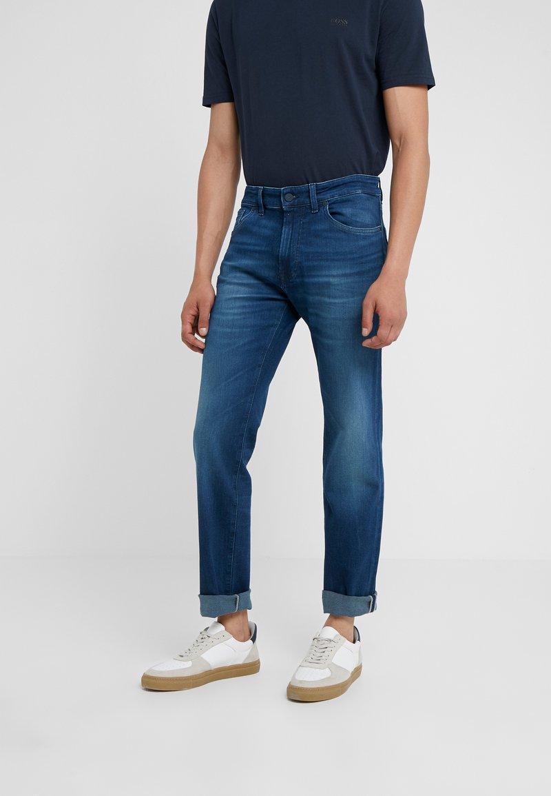 BOSS - MAINE - Jeans Straight Leg - dark blue denim