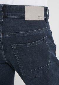 BOSS - DELAWARE - Džíny Slim Fit - dark blue denim - 5