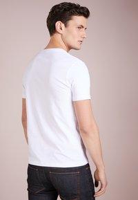 BOSS - TALES 10208401 01 - Jednoduché triko - white - 2