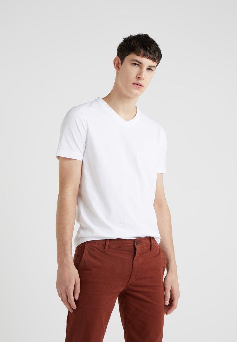 BOSS - TCHAP - Camiseta básica - white