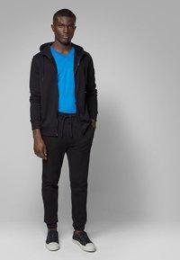 BOSS - TYXX - T-shirt basique - blue - 1