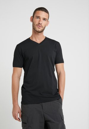 TYXX - Basic T-shirt - black