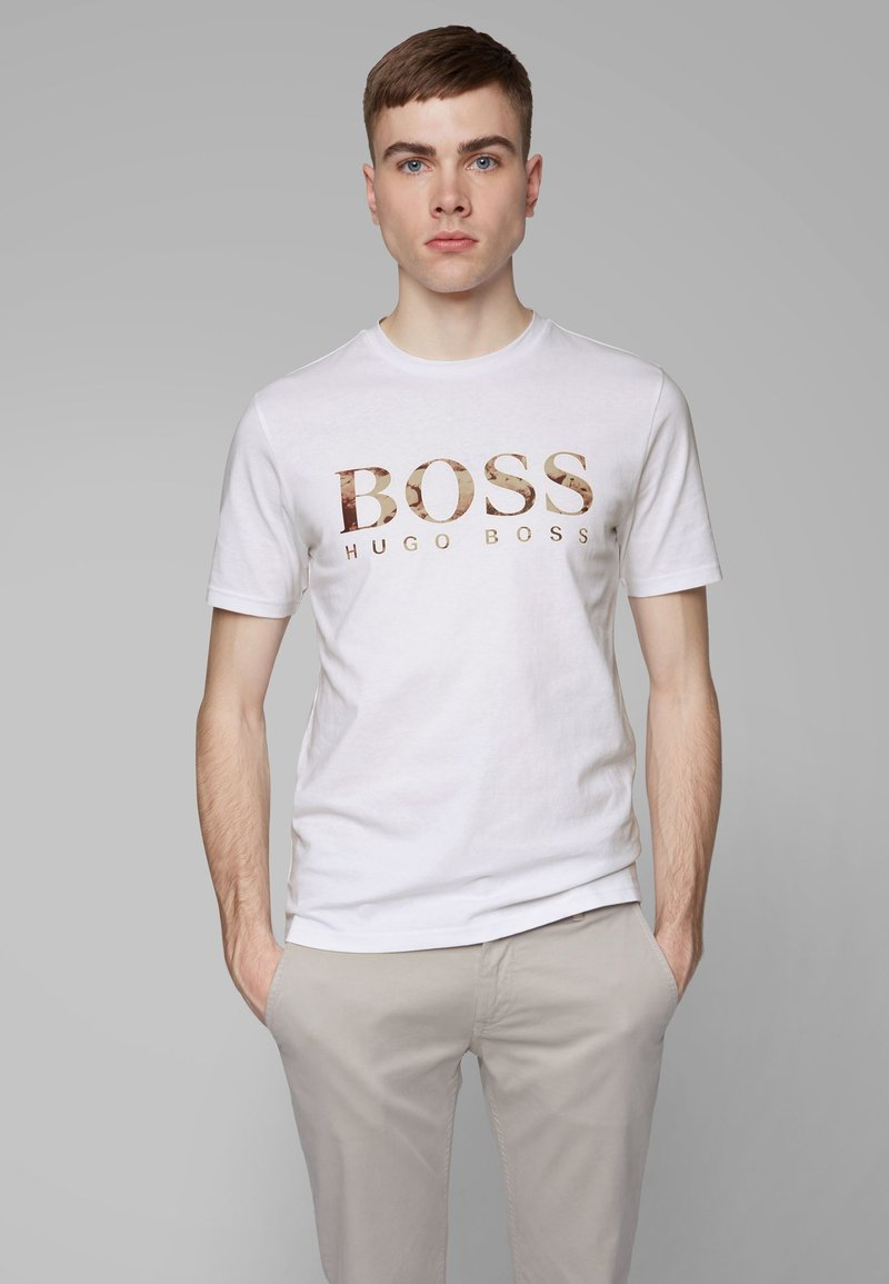 BOSS - TAUCH 1 10208401 01 - T-shirt con stampa - white