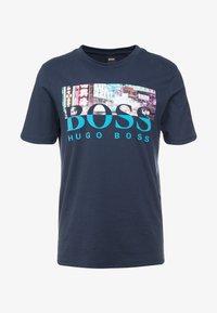 BOSS - TREK  - T-shirt imprimé - navy - 4