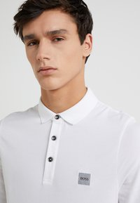 BOSS - PASSERBY - Polo shirt - white - 4