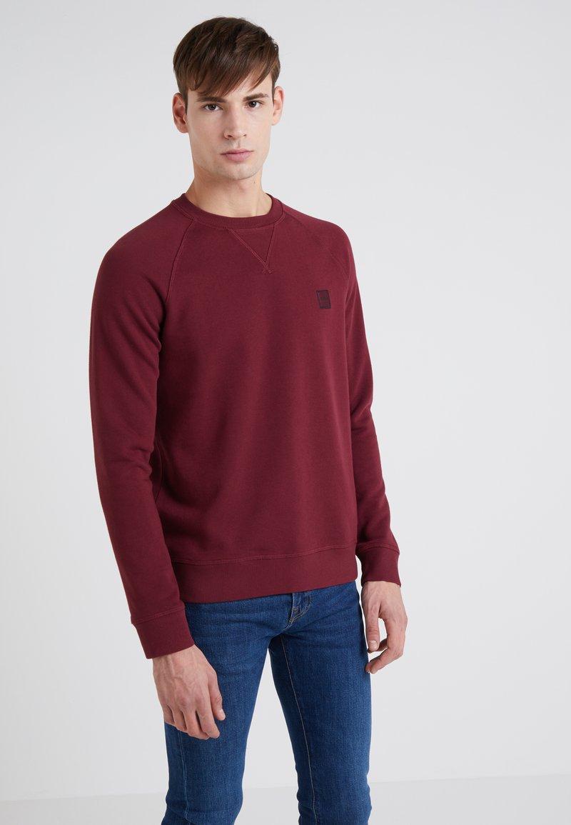 BOSS - WYAN - Sweatshirt - open red