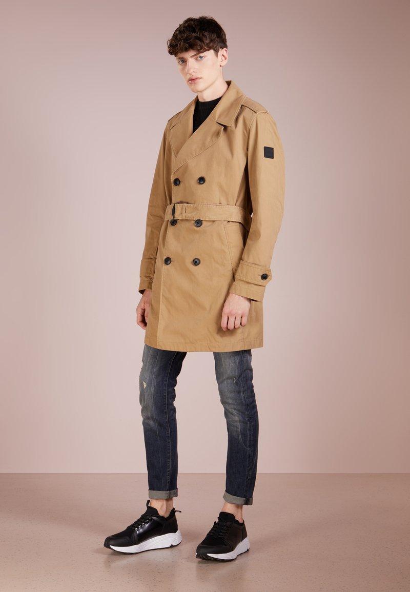 BOSS - UPILOT - Trenchcoat - medium beige