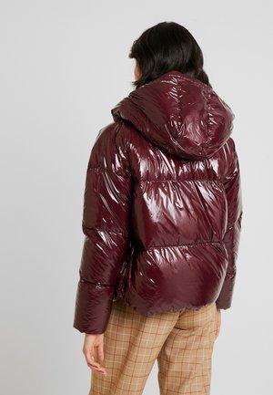 Down jacket - mahogany