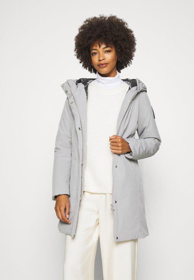 Winter coat - pearl grey