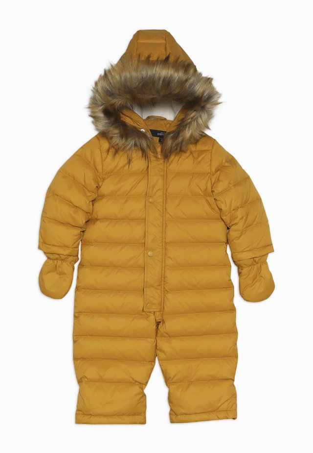 Snowsuit - yellow beak