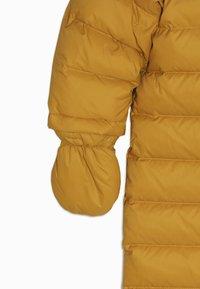 Bomboogie - Mono para la nieve - yellow beak - 3