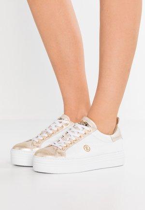 ORLANDO - Sneakersy niskie - white/platinum